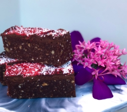 Berry Love Mud Brownie – Raw Vegan